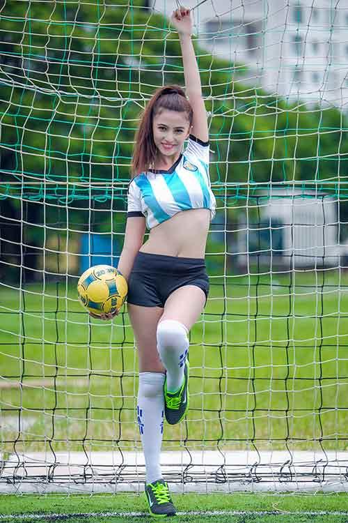 Messi thăng hoa, ca sĩ hotgirl Việt My muốn tặng nụ hôn - 9