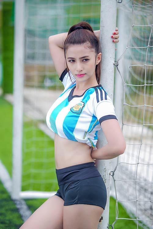 Messi thăng hoa, ca sĩ hotgirl Việt My muốn tặng nụ hôn - 7