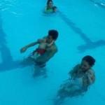 Thị trường - Tiêu dùng - Chi tiền triệu cho con dưới 1 tuổi học bơi kiểu Tây