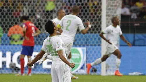 Góc 3D: Algeria tốc chiến tốc thắng Hàn Quốc - 1