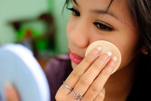 4 bước đơn giản cho đôi môi hồng xinh xắn - 4