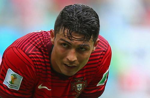 """Ronaldo """"thẫn thờ"""" trong ngày lập kỷ lục cùng BĐN - 1"""