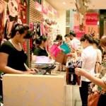 Thời trang - Hàng bình dân lên ngôi mùa sale off