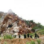 Tin tức trong ngày - Huy động chó nghiệp vụ tìm kiếm nạn nhân vụ sập mỏ đá