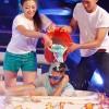 Tiến Việt Idol thê thảm vừa hát vừa hứng bùn