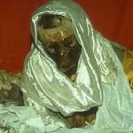 Phi thường - kỳ quặc - Xác chết ngồi bó gối 600 năm không phân hủy