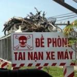 """Tin tức trong ngày - Nghệ An: """"Trưng"""" 8 xe máy nát bét làm biển cảnh báo TNGT"""