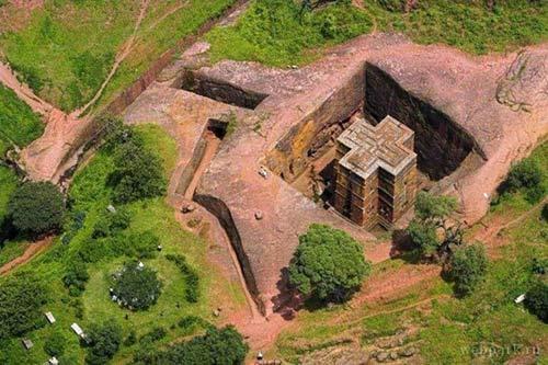 Nhà thờ khắc từ đá độc đáo ở Ethiopia - 9
