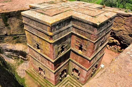 Nhà thờ khắc từ đá độc đáo ở Ethiopia - 1