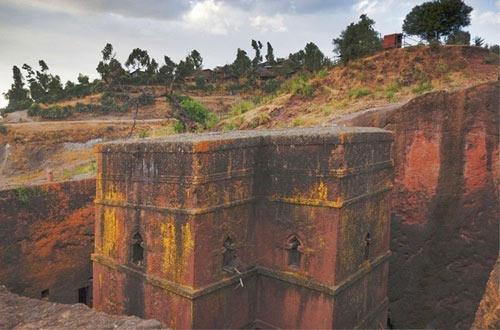 Nhà thờ khắc từ đá độc đáo ở Ethiopia - 4