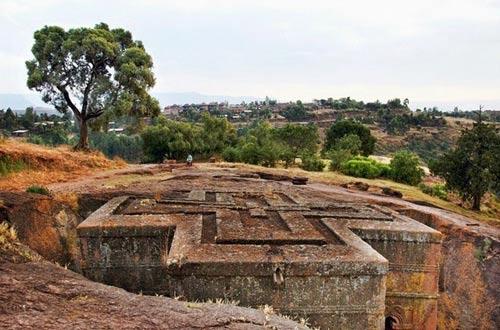 Nhà thờ khắc từ đá độc đáo ở Ethiopia - 5