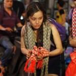 Ca nhạc - MTV - Vợ Nguyễn Văn Chung vừa bán khăn len vừa khóc