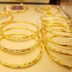 Tài chính - Bất động sản - Giá vàng đi ngược dự báo của các chuyên gia