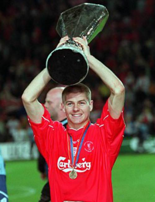 Sterling: Tài năng nhưng vẫn thua xa đàn anh ở Liverpool 2