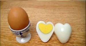 Clip: Cách luộc trứng thành hình trái tim cực đơn giản