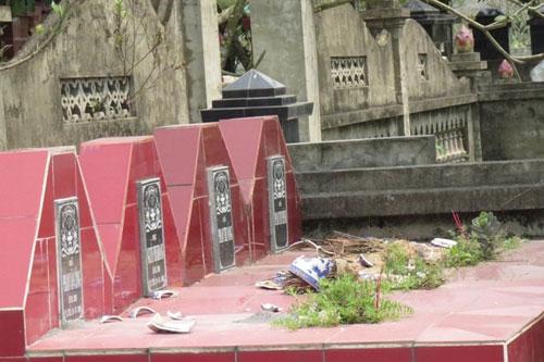 Hải Phòng: Hàng trăm ngôi mộ bị phá trong đêm - 1