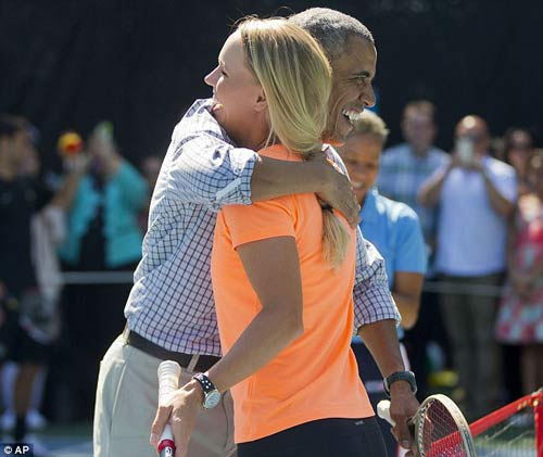 Wozniacki đánh tennis cùng Tổng thống Obama - 5