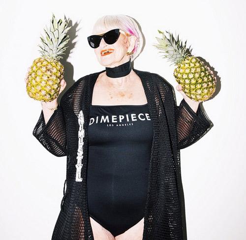 Cụ bà 86 tuổi cuốn hút kỳ lạ quảng cáo áo tắm - 3