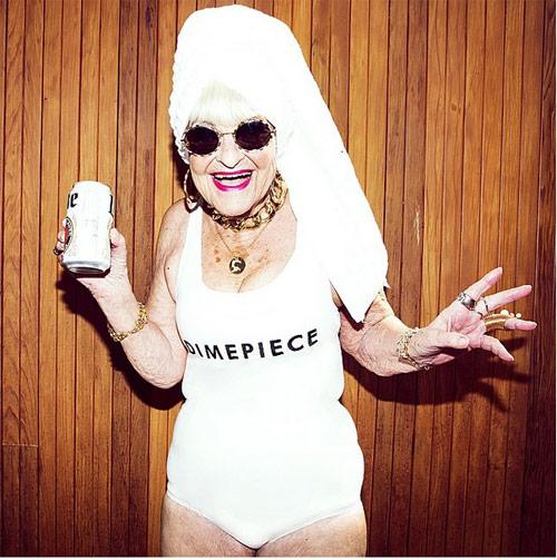 Cụ bà 86 tuổi cuốn hút kỳ lạ quảng cáo áo tắm - 6