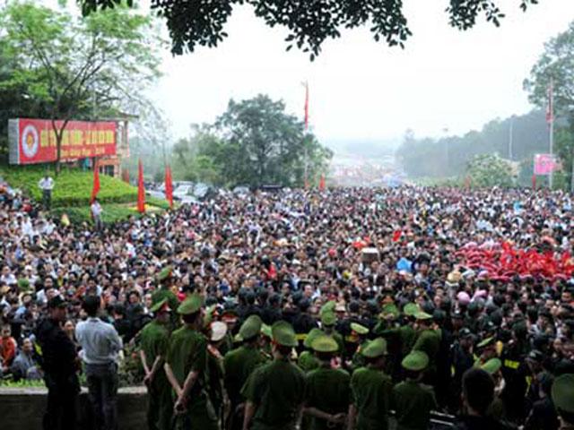 """Phú Thọ cam kết dẹp """"chặt chém"""" tại lễ hội Đền Hùng"""