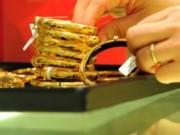 Giá vàng trong nước tăng bất chấp giá thế giới giảm sâu
