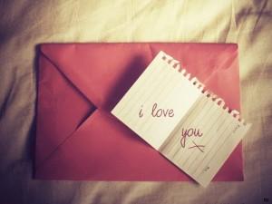 Thơ tình: Thiệp hồng tên em!