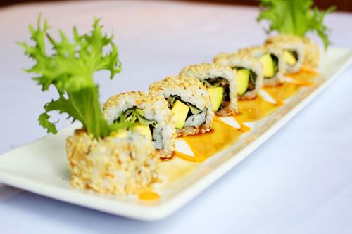 5 món sushi siêu hấp dẫn từ quả bơ - 2