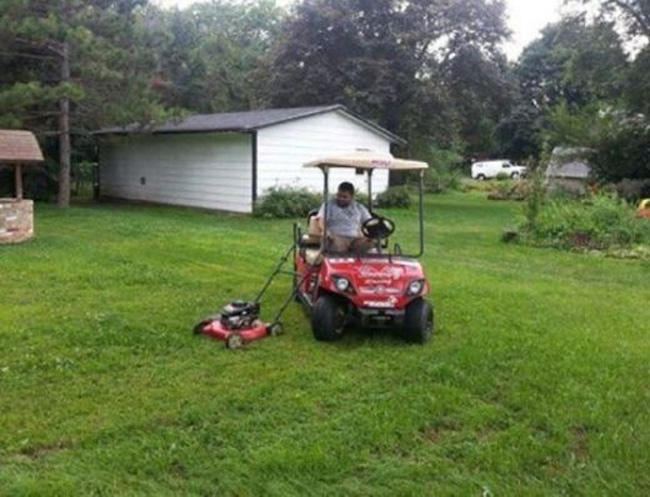 Cắt cỏ thế này có nhanh hơn không nhỉ?