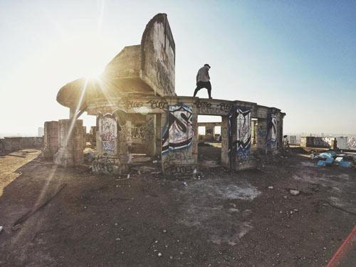 Ghê người: Nhào lộn trên nóc nhà ma 50 tầng - 2