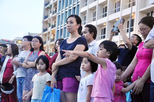 Hàng ngàn người tham quan phố đi bộ hiện đại nhất VN - 5