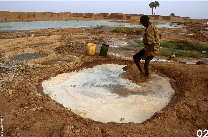 """Cánh đồng muối đất sét """"độc nhất vô nhị"""" ở sa mạc Sahara - 4"""