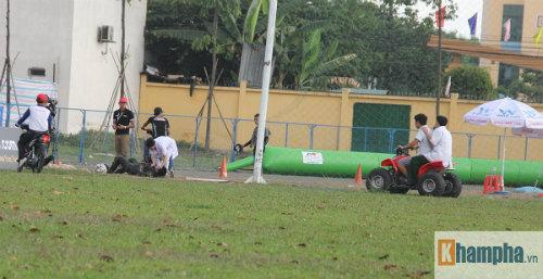 """Tai nạn """"như mưa"""" tại giải đua mô tô ở Bình Dương - 7"""