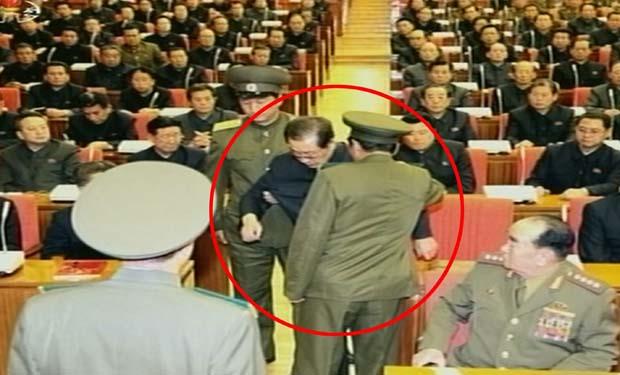 Kim Jong-un bất ngờ hủy thăm Nga vì sợ đảo chính? - 3