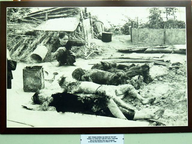 Nhiều người ngất xỉu khi nghe lại vụ thảm sát Mỹ Lai - 2
