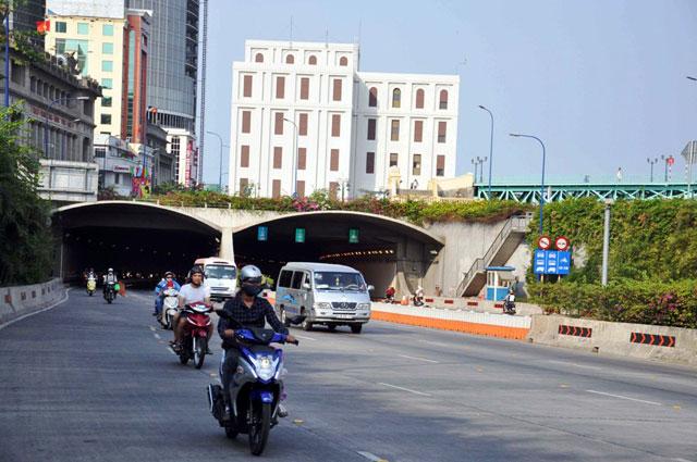 """Ảnh: Sài Gòn """"khoác áo mới"""" sau 40 năm giải phóng - 4"""