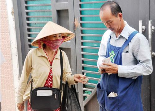 """Quán cơm """"thần tiên"""" 2.000 đồng giữa Sài Gòn - 3"""