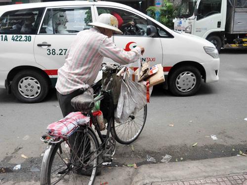"""Quán cơm """"thần tiên"""" 2.000 đồng giữa Sài Gòn - 12"""