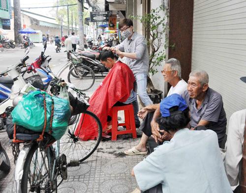 """Quán cơm """"thần tiên"""" 2.000 đồng giữa Sài Gòn - 11"""