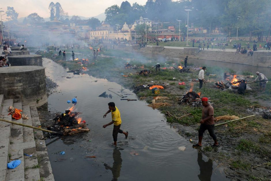 Động đất Nepal: 6.204 người chết, thủ đô nặng mùi tử khí - 1