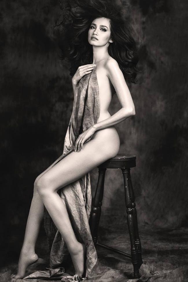 Thân hình chuẩn giúp Trúc Diễm xuất hiện trong nhiều bộ ảnh đẹp.