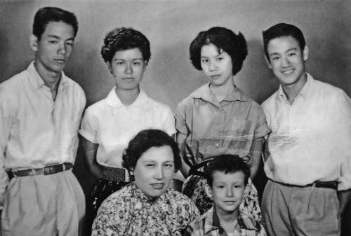 Điều ít biết về danh ca - em trai Lý Tiểu Long - 1