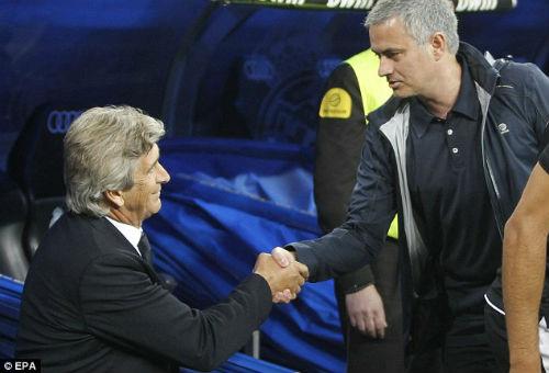 Wenger chỉ trích Mourinho thiếu tôn trọng bề trên - 2