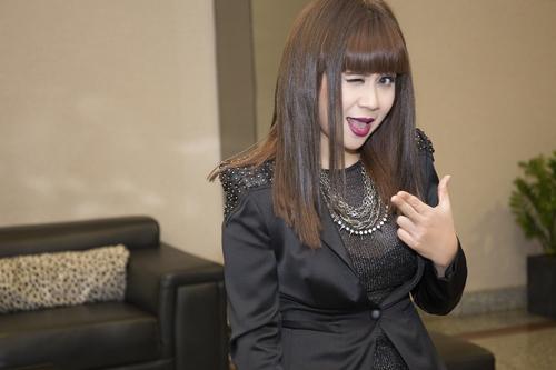 Lưu Thiên Hương và gu thời trang ngấp nghé tứ tuần - 11