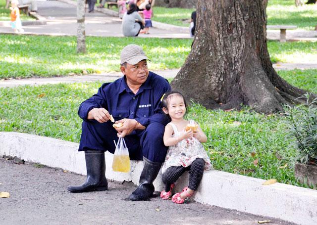 Bộ ảnh: Sống chậm giữa Sài Gòn nhanh - 9