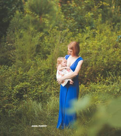 15 bức ảnh mẹ cho con bú khiến ai cũng mê đắm - 2