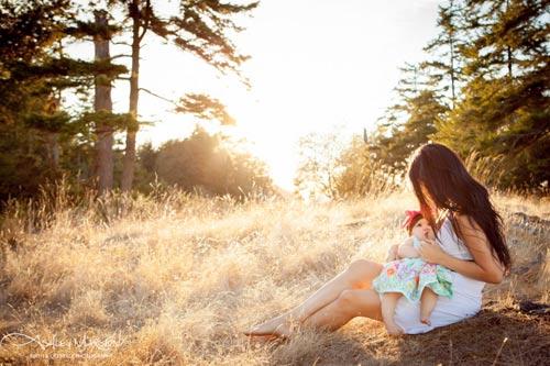 15 bức ảnh mẹ cho con bú khiến ai cũng mê đắm - 14