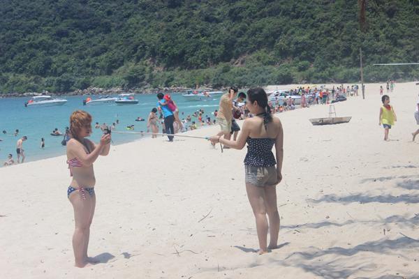 Chùm ảnh: Đảo Cù Lao Chàm hút du khách dịp nghỉ lễ - 9