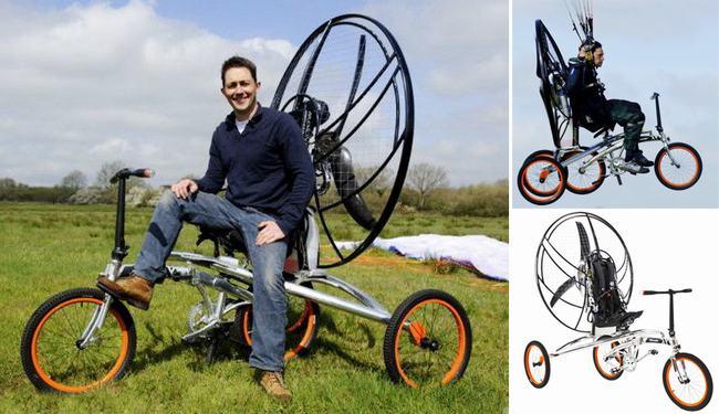 Hai nhà sáng chế người Anh & nbsp;Yannick Read và John Foden đã & nbsp;nảy ra ý tưởng chế tạo xe đạp bay. & nbsp;XploreAir X1 Paravelo là tên mà họ đã đặt cho chiếc xe đạp đặc biệt này. Chiếc xe sở hữu một motor chạy bằng nhiên liệu sinh học và có thể đạt tốc độ tối đa 40 km/h khi di chuyển trong không trung. Với sự hỗ trợ của dù, xe có thể bay tới độ cao 1.200 m. & nbsp;