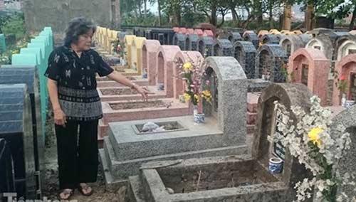 Hà Nội: Hơn 300 ngôi mộ bị đập vỡ bát hương - 1