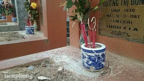 Hà Nội: Hơn 300 ngôi mộ bị đập vỡ bát hương - 4